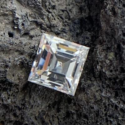 loose carre shaped diamond