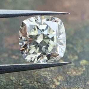 loose cushion cut diamonds