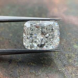 elongated cushion cut diamonds loose